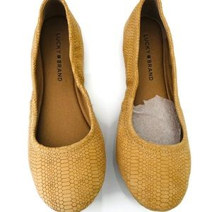 Lucky Brand women's shoes.Flats tan color size 7.5